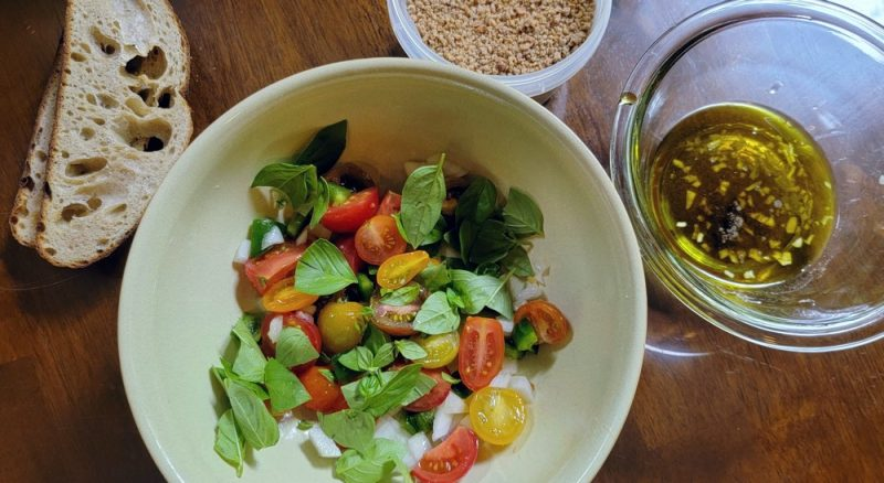 You are currently viewing Panzanella (Bread and Tomato Salad)